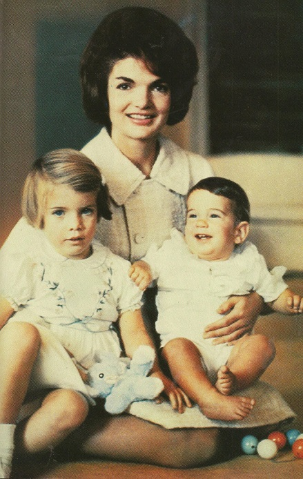 jackie-kennedy-and-kids